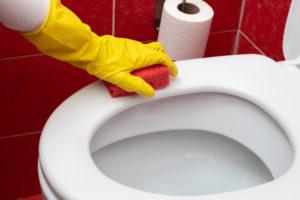 vergilbte-toilettenbrille-reinigen