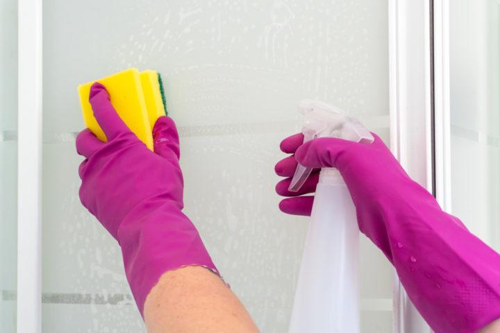 verkalkte-glasdusche-reinigen
