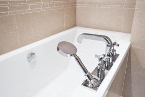 versenkbarer-duschschlauch-badewanne-wechseln