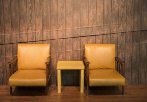 wand abdecken kreative l sungen f r wenig geld. Black Bedroom Furniture Sets. Home Design Ideas