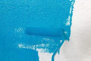 wand-farbig-streichen