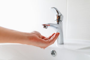 warmwasser-druck-faellt-ab