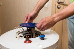 warmwasserspeicher-reinigen