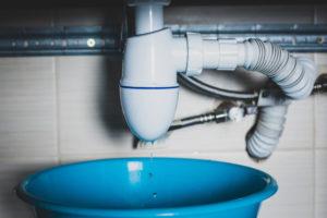 waschbecken-abfluss-undicht