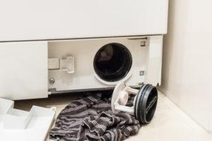 waschmaschine-flusensieb-wasser-stinkt