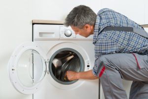 waschmaschinentrommel-schlaegt-ans-gehaeuse