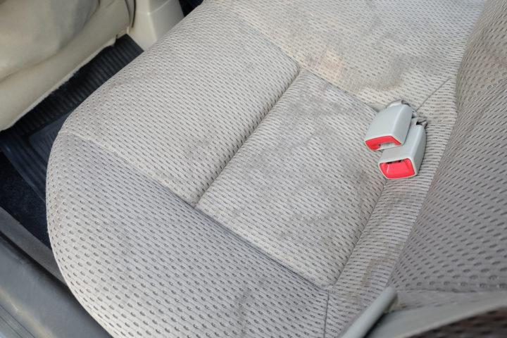 wasserflecken-polyester-entfernen
