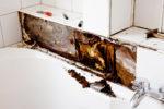wasserschaden-durch-undichte-silikonfuge