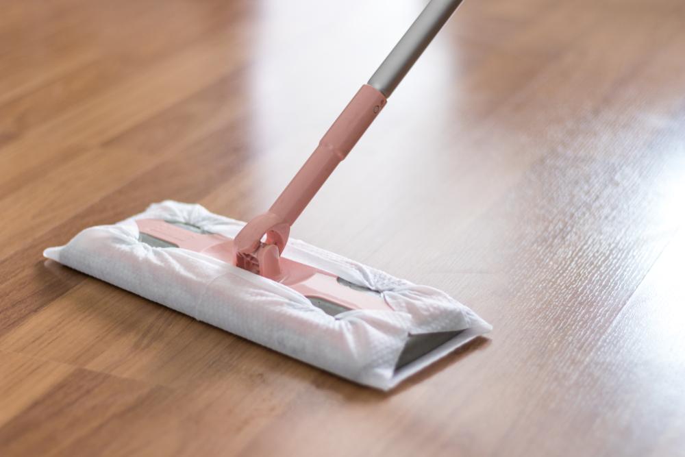 wie oft sollte man laminat wischen sauberkeit und pflege. Black Bedroom Furniture Sets. Home Design Ideas
